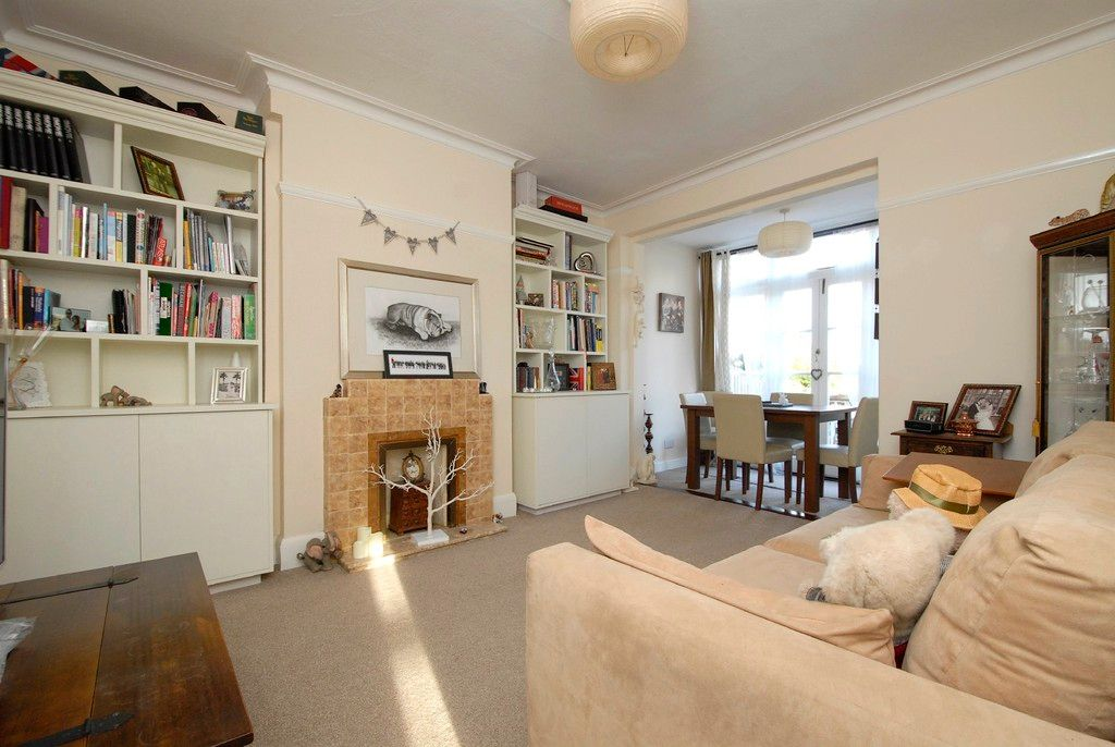 3 bed house to rent in Scotts Lane, Bromley 3