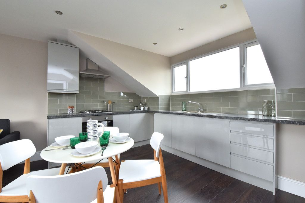 2 bed flat for sale in Hammelton Road, Bromley 3