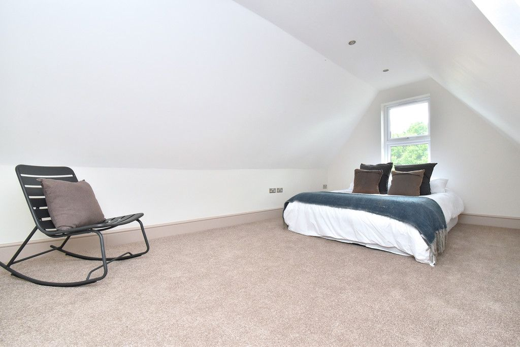 2 bed flat for sale in Hammelton Road, Bromley 6