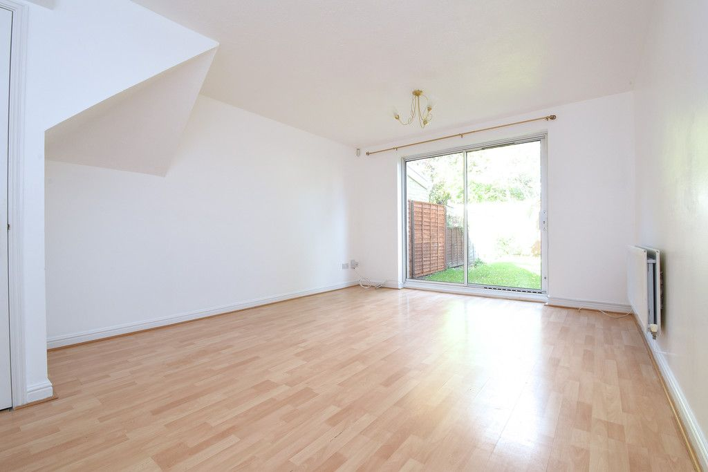 2 bed house to rent in Woldham Place, Bromley  - Property Image 2
