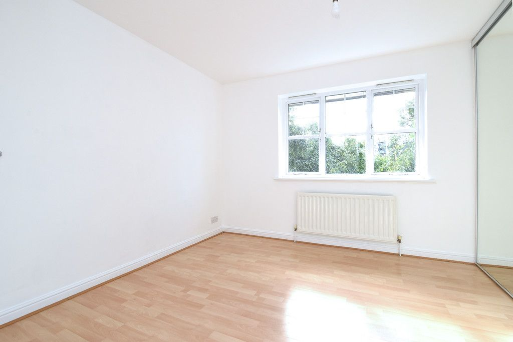 2 bed house to rent in Woldham Place, Bromley  - Property Image 3