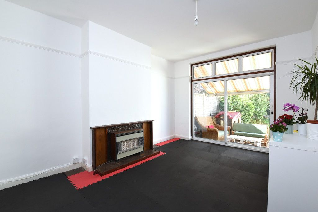 3 bed house to rent in Braemar Gardens  - Property Image 4