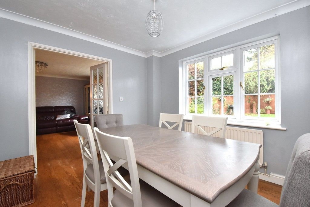 4 bed house for sale in Paddock Close, Farnborough 5