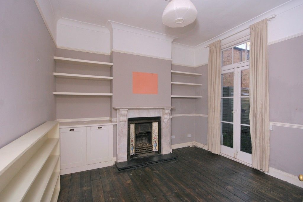 4 bed House to rent on Lampmead Road, London - Property Image 11