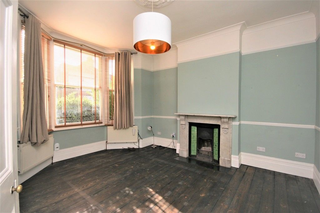 4 bed House to rent on Lampmead Road, London - Property Image 13