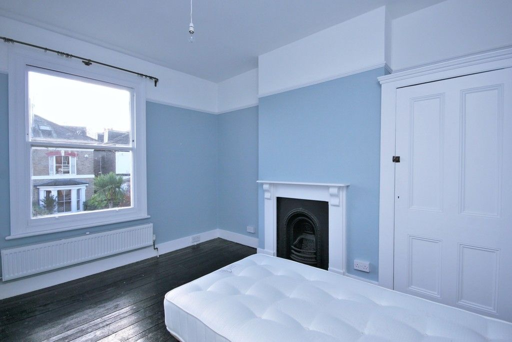 4 bed House to rent on Lampmead Road, London - Property Image 10