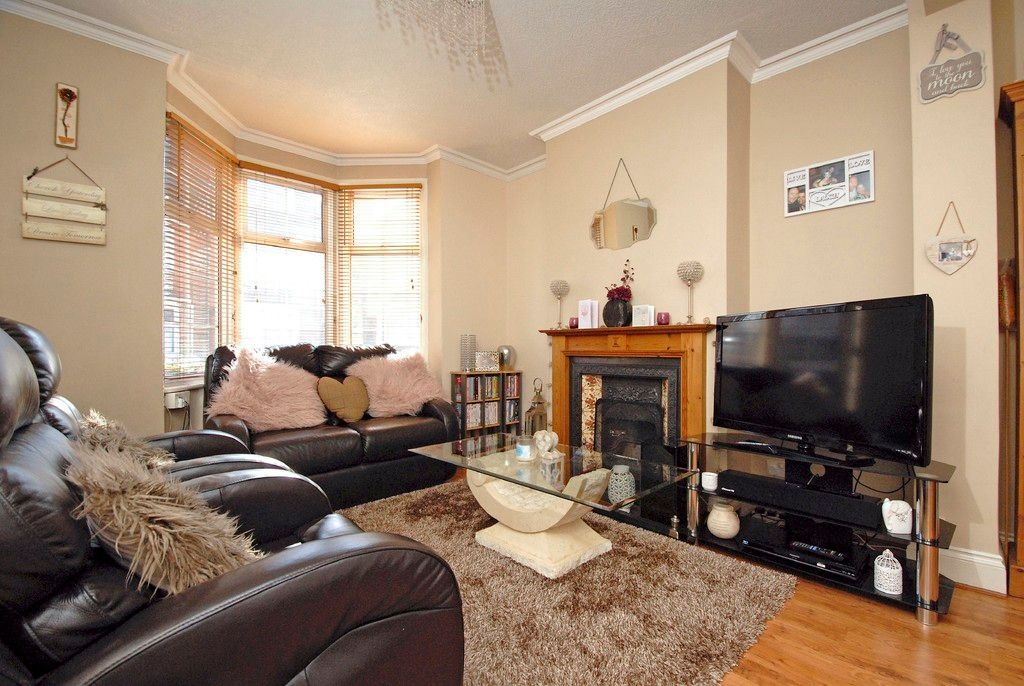 2 bed house for sale in Morgan Road, Bromley 2