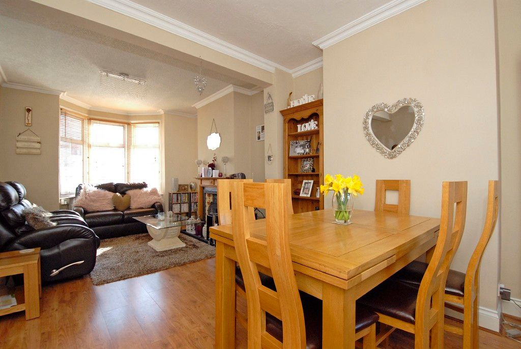 2 bed house for sale in Morgan Road, Bromley 4