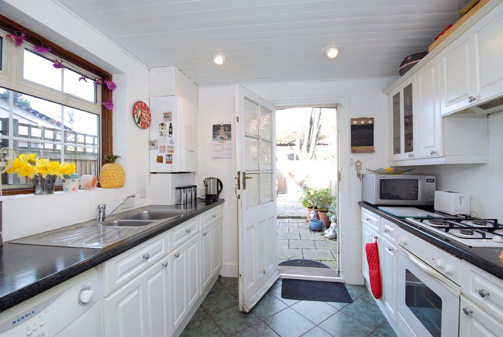 2 bed house for sale in Morgan Road, Bromley 5