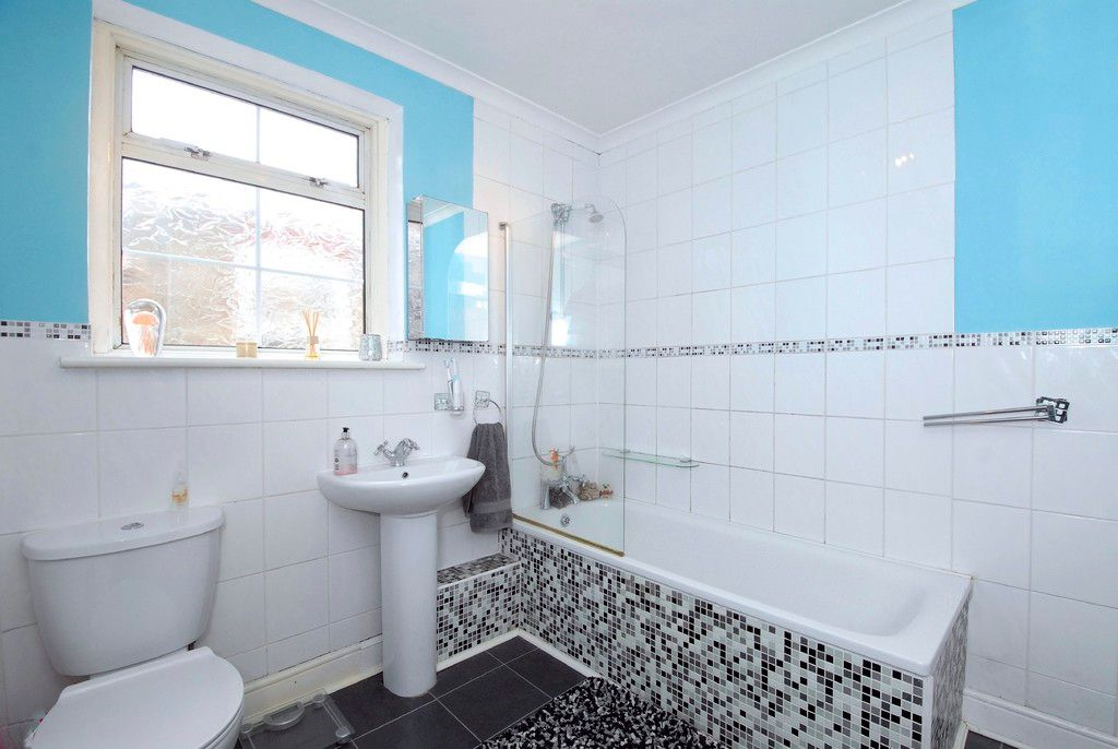 2 bed House for sale on Morgan Road, Bromley - Property Image 7