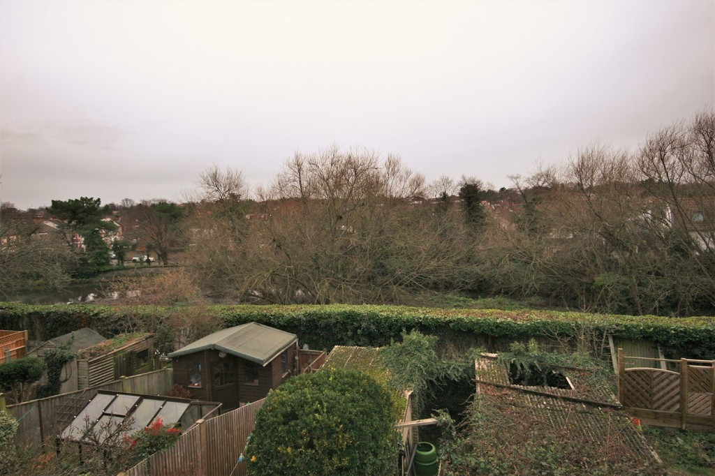 2 bed flat for sale in Mill Vale, Bromley 10