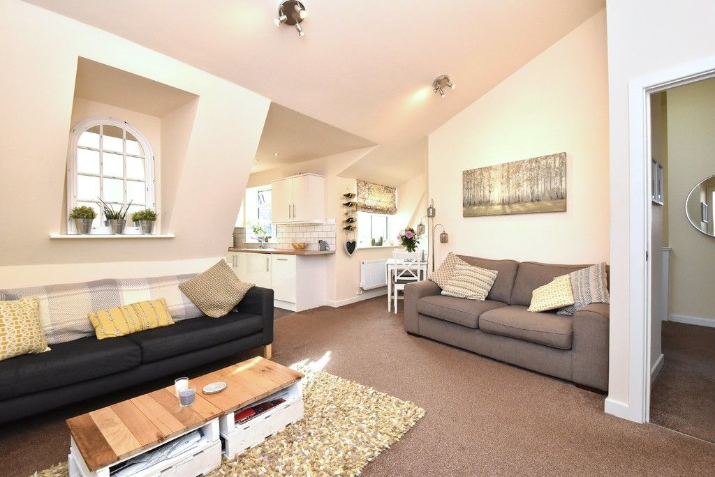 2 bed flat for sale in High Street 2
