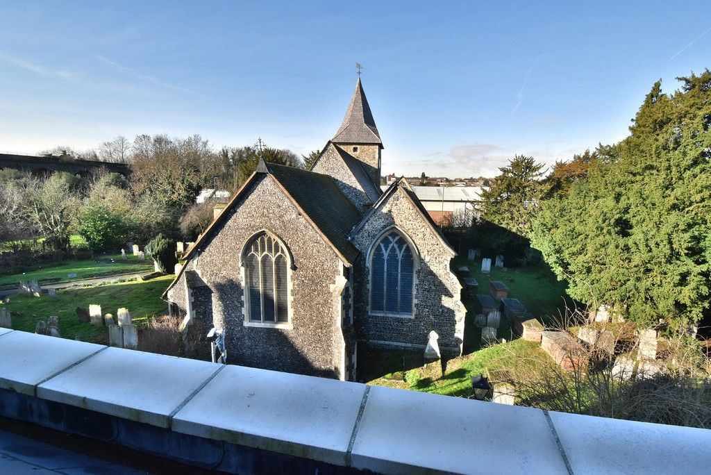 2 bed flat for sale in High Street  - Property Image 12