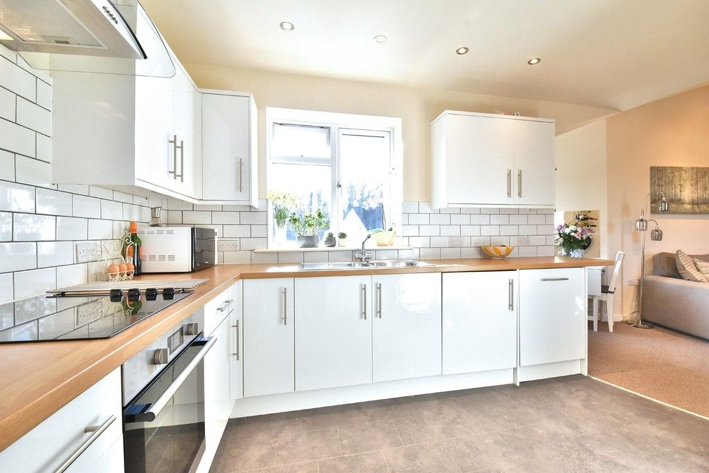 2 bed flat for sale in High Street 7