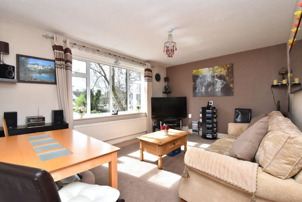 2 bed Flat for sale on Turpington Lane, Bromley - Property Image 2