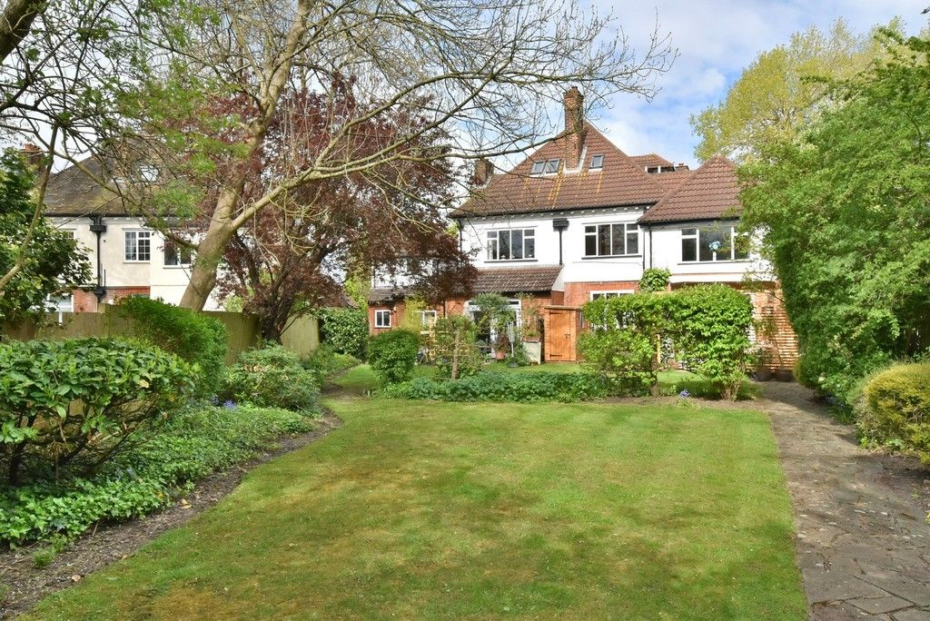 2 bed flat for sale in Turpington Lane, Bromley 10