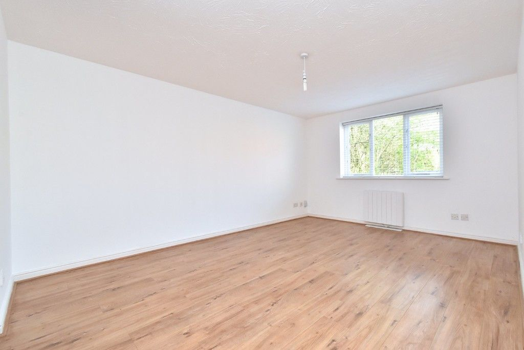 1 bed flat for sale in Cumberland Place  - Property Image 3