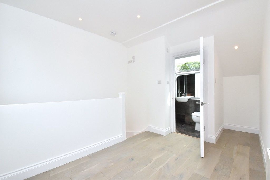 1 bed flat for sale in Page Heath Villas  - Property Image 17