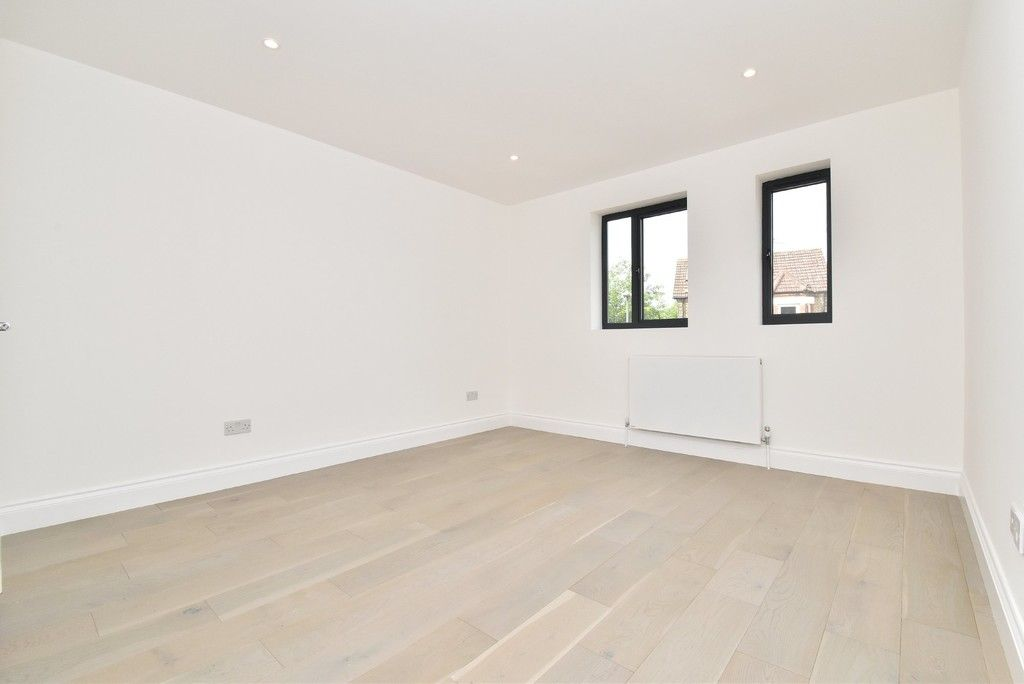 1 bed flat for sale in Page Heath Villas  - Property Image 8