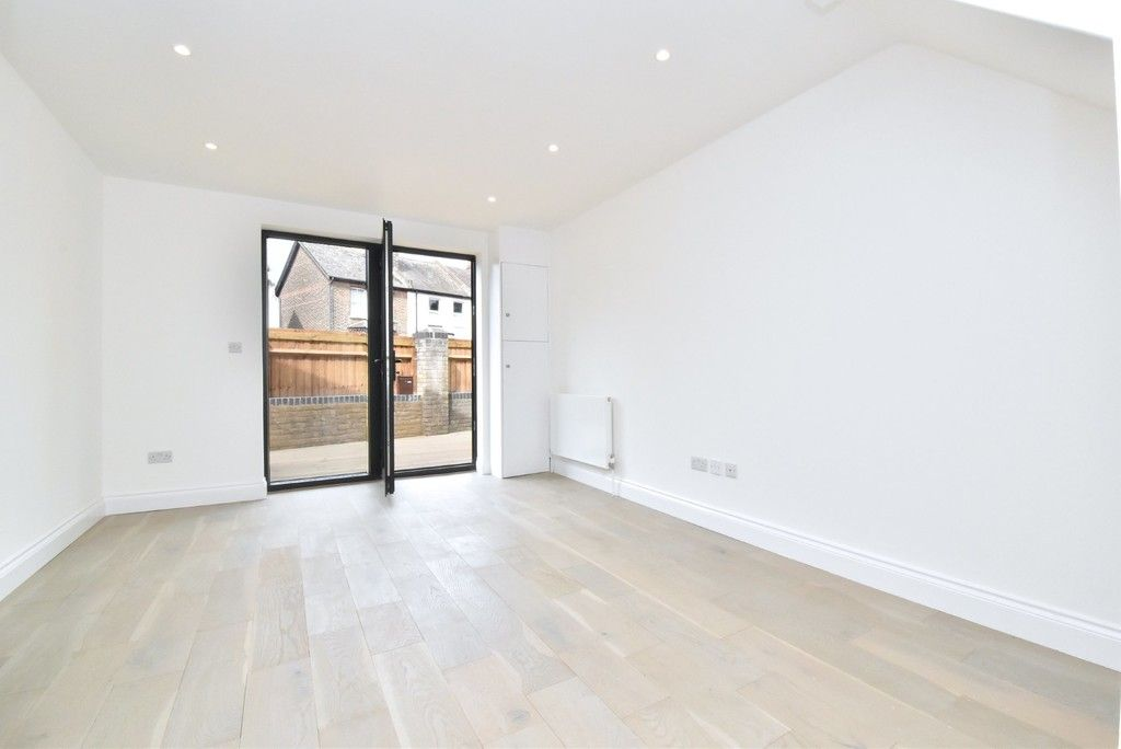 1 bed flat for sale in Page Heath Villas  - Property Image 9