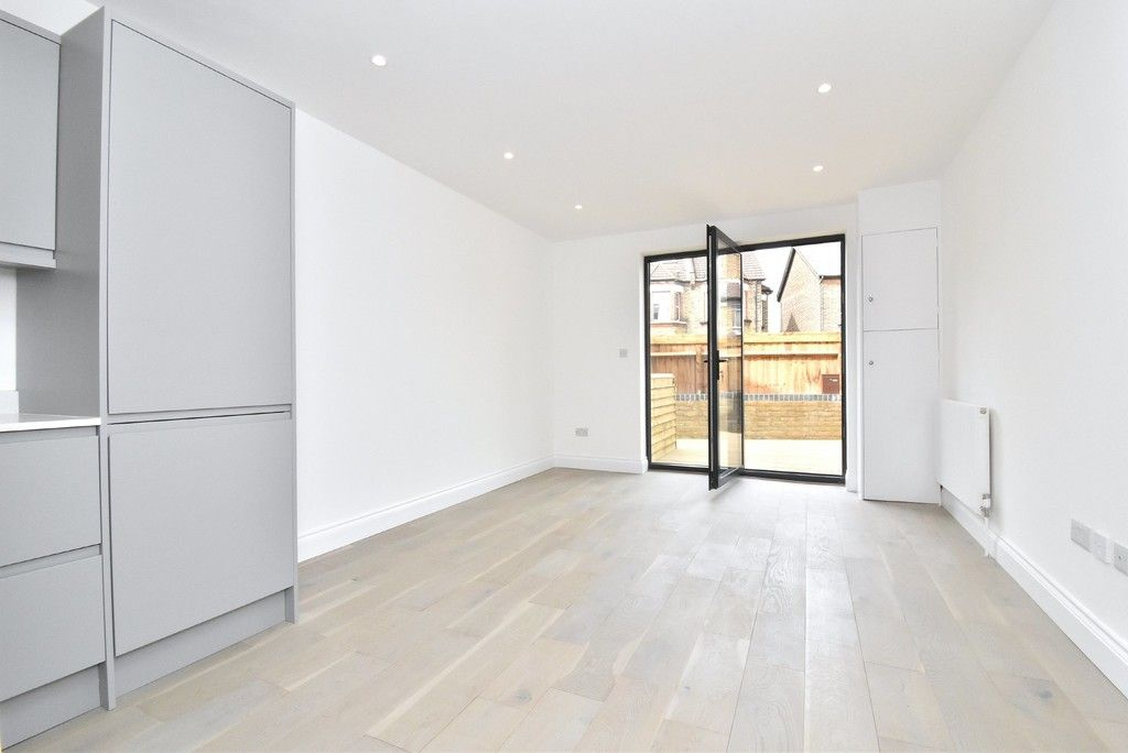 1 bed flat for sale in Page Heath Villas  - Property Image 11