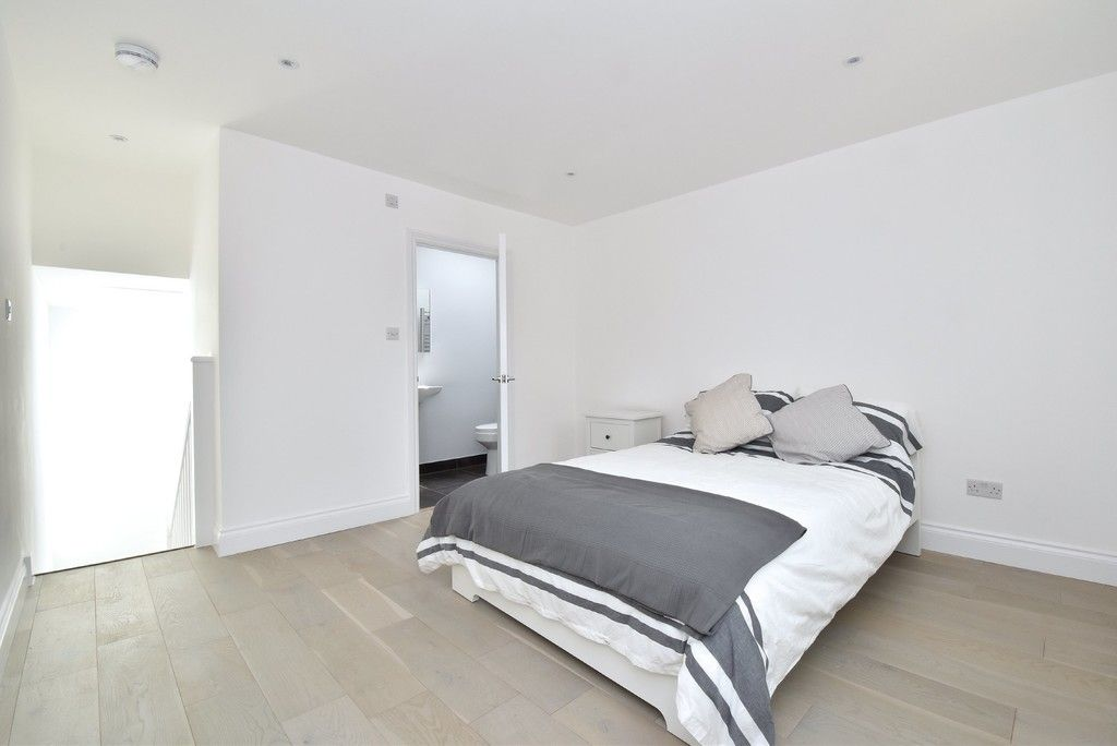 1 bed flat for sale in Page Heath Villas  - Property Image 7