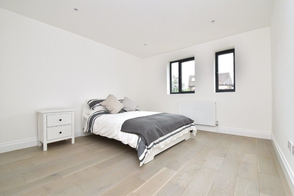 1 bed flat for sale in Page Heath Villas 8