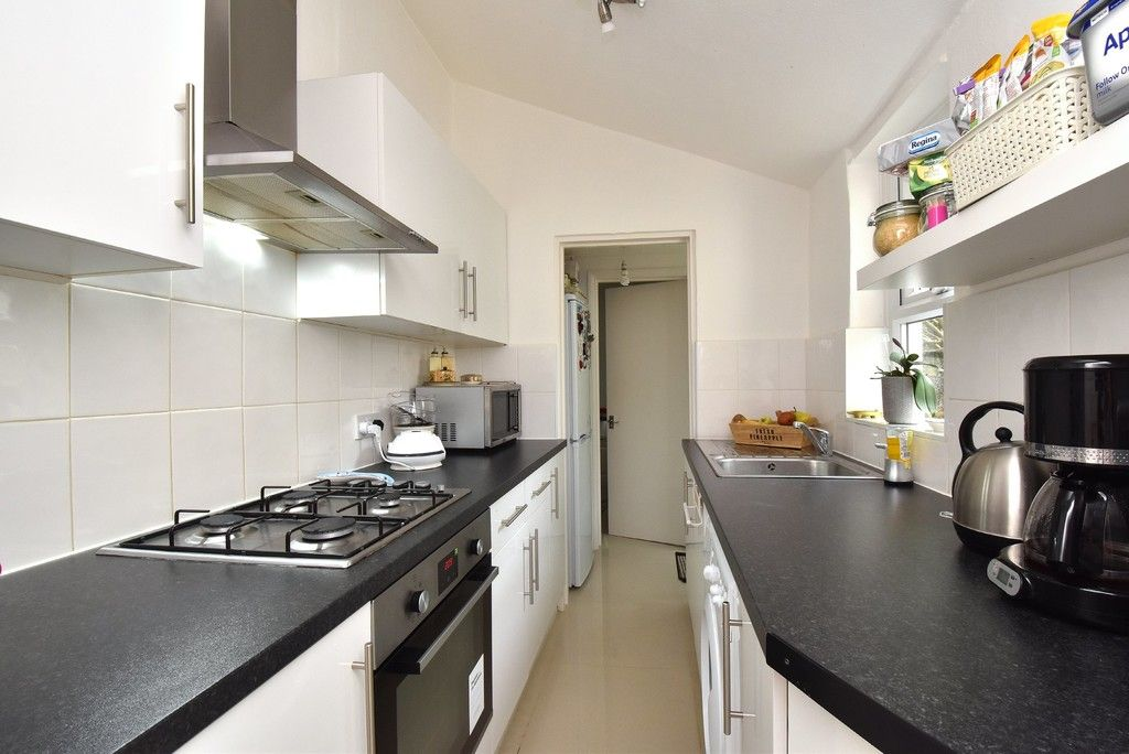 2 bed house for sale in Mooreland Road, Bromley  - Property Image 3