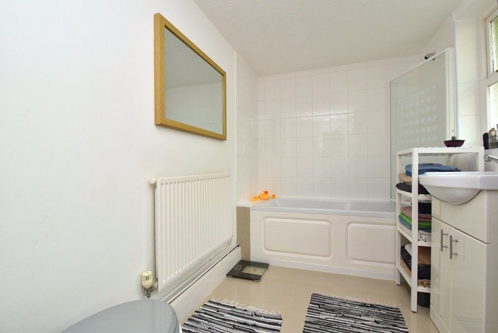 2 bed house for sale in Mooreland Road, Bromley 5