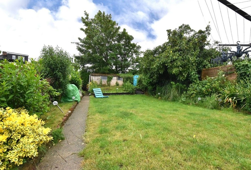 3 bed house for sale in Ruskin Walk, Bromley 11