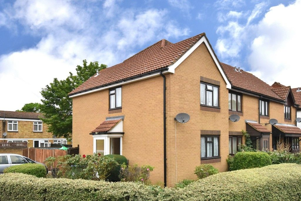 3 bed house for sale in Harrier Mews 1