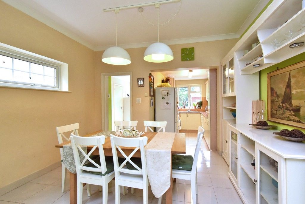 3 bed house for sale in Beckenham Lane, Bromley 2