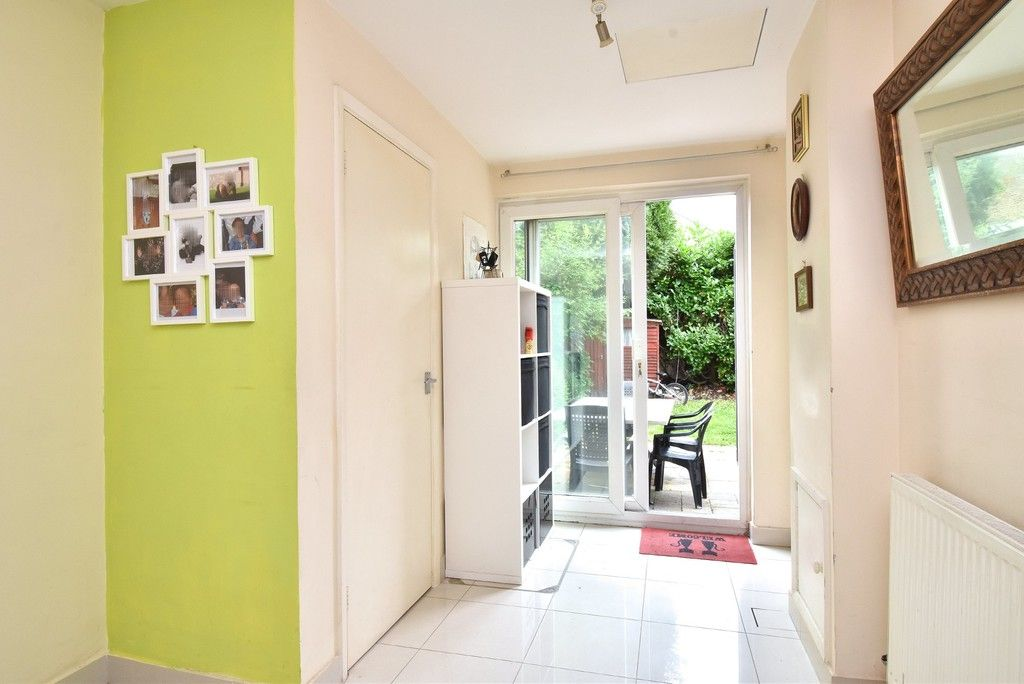 3 bed house for sale in Beckenham Lane, Bromley 3