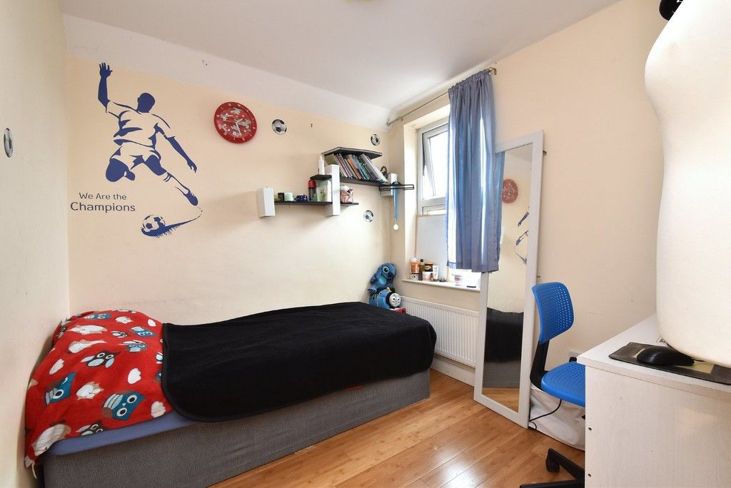 3 bed house for sale in Beckenham Lane, Bromley 9