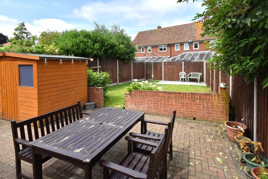 3 bed house to rent in Crescent Gardens, Swanley  - Property Image 3