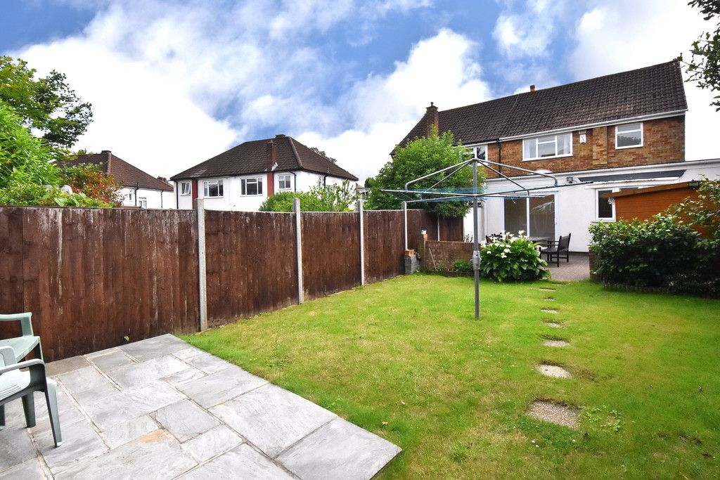3 bed house to rent in Crescent Gardens, Swanley  - Property Image 4