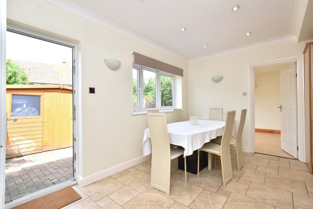3 bed house to rent in Crescent Gardens, Swanley  - Property Image 7