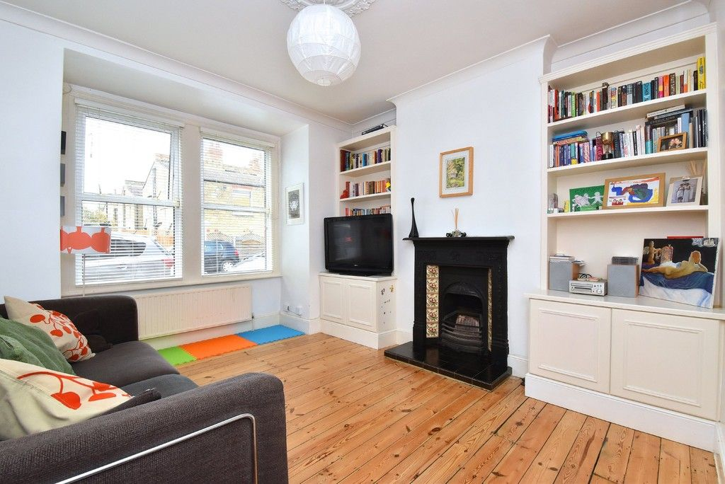3 bed house for sale in Howard Road, Bromley  - Property Image 2