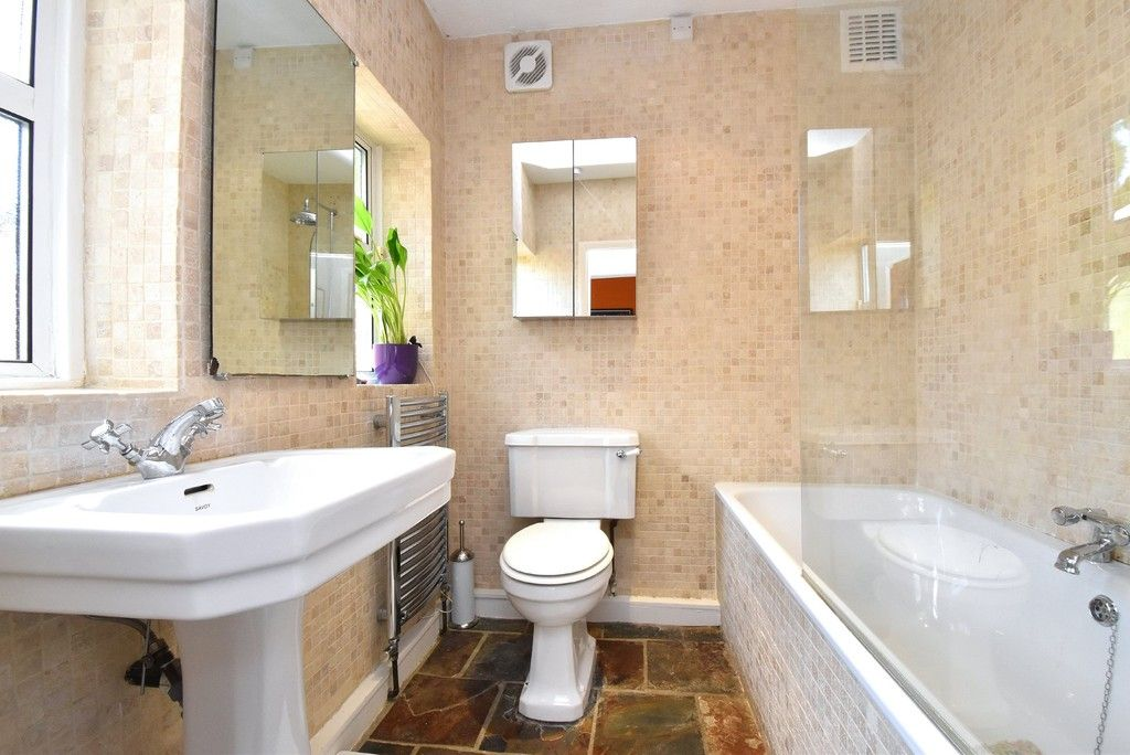3 bed house for sale in Howard Road, Bromley 4