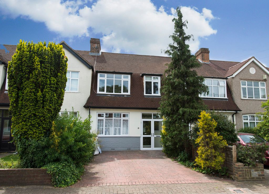 3 bed house for sale in Wimborne Way, Beckenham, BR3