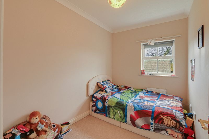 4 bed House to rent in Horton Crescent - Bedroom 4 (Property Image 11)