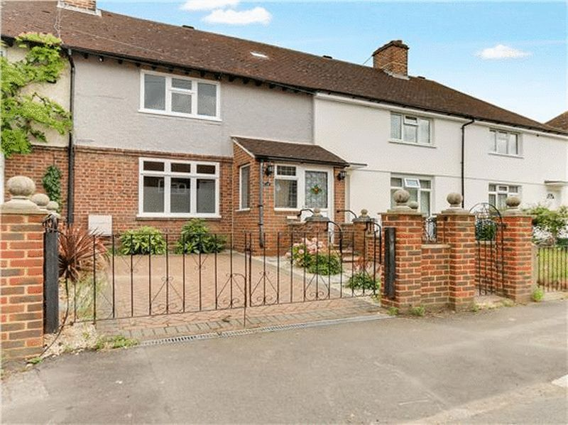 3 bed house to rent in Charter Road - Property Image 1