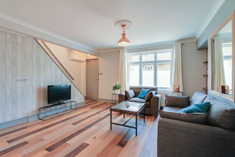 3 bed house to rent in Charter Road  - Property Image 3