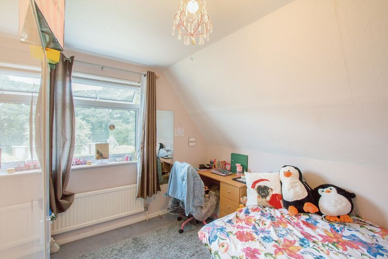 4 bed House for sale in Nork Way - Bedroom 3 (Property Image 9)