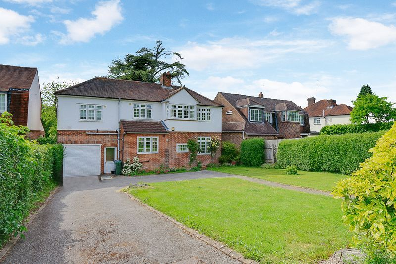 4 bed House for sale in Green Curve - Property Image 1
