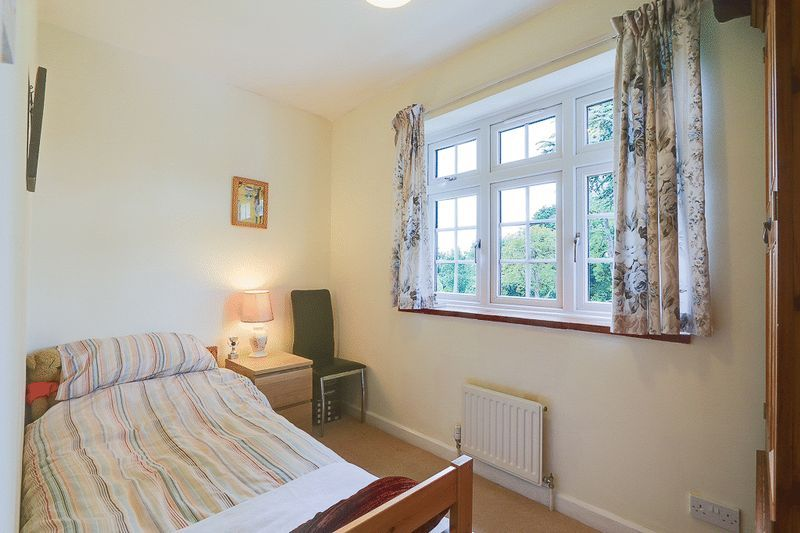 4 bed house for sale in Green Curve  - Property Image 15