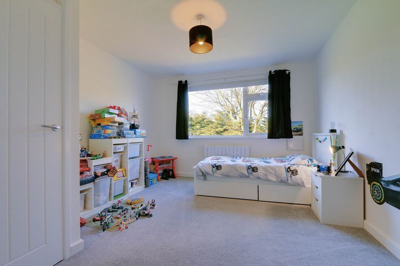 4 bed House for sale in Montrouge Crescent - Bedroom 2 (Property Image 10)