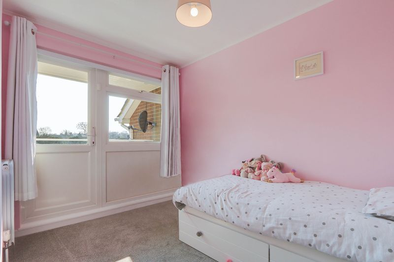 4 bed House for sale in Montrouge Crescent - Bedroom 4 (Property Image 12)