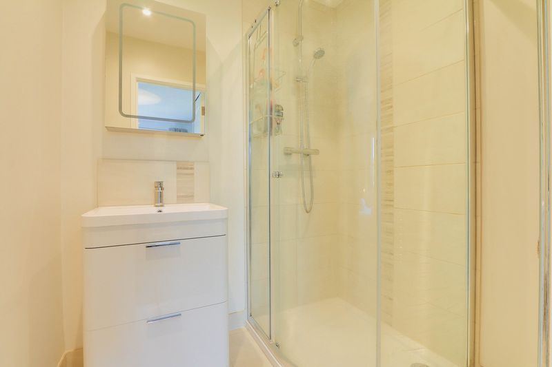 4 bed House for sale in Montrouge Crescent - Master En-Suite (Property Image 9)