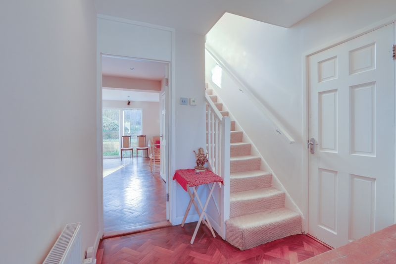 5 bed house for sale in Harkness Close  - Property Image 18